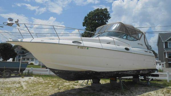 Cruisers Yachts 3075 Rogue
