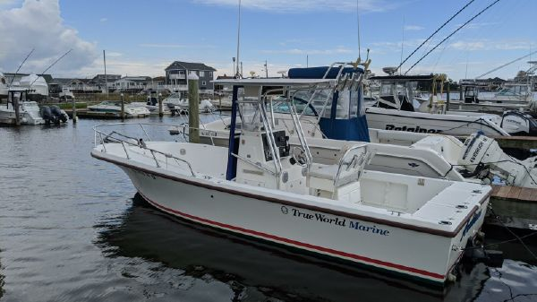True World Marine 24 Center Console