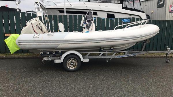 Zodiac Yachtline 530 Deluxe