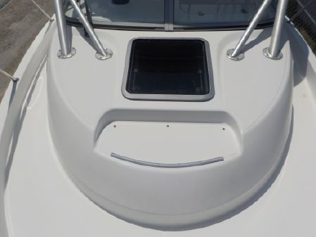 Boston Whaler Conquest 235 Cuddy image