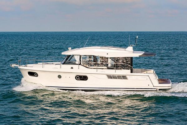 Beneteau America Swift Trawler 41 Sedan - main image