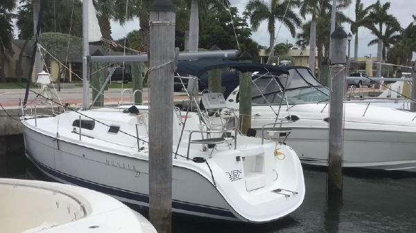 Hunter 27' Fixed Keel