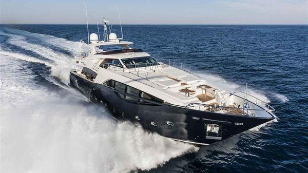 Ferretti Yachts Custom Line 100