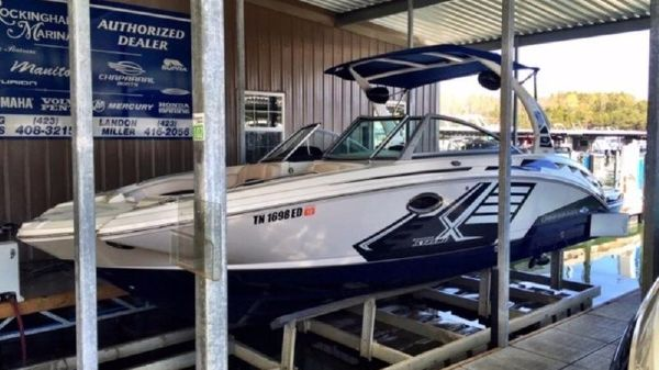 Chaparral 244 Sunesta XTreme Surf Package Forward Facing Drive