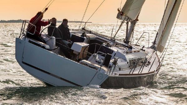 Dufour 382 GL Dufour 382 GL Sailing