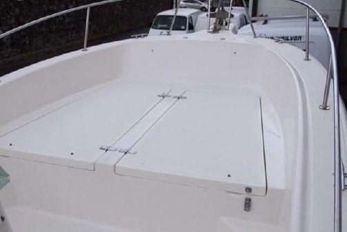 White Shark 215 image