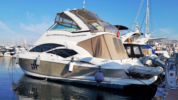 Cruisers Yachts 447 Sedan