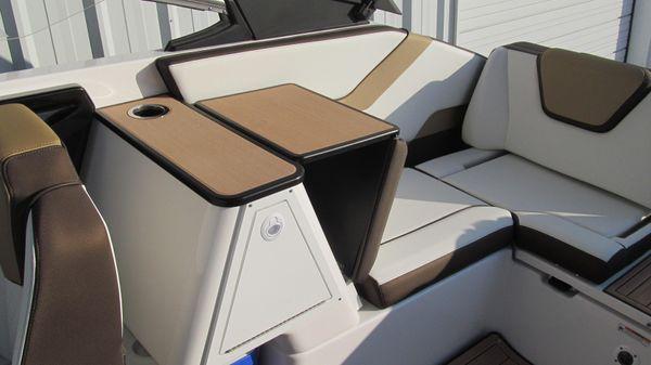 Yamaha Boats 252SE image