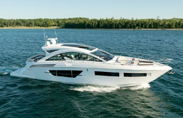 2019 Cruisers Yachts 60 Cantius