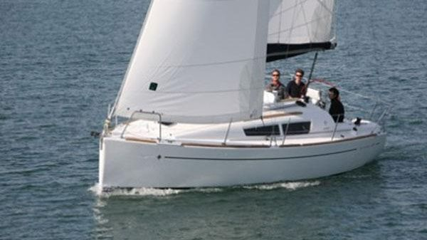 Jeanneau Sun Odyssey 30i Jeanneau Sun Odyssey 30i Manufacturer Provided Image: Port Side View