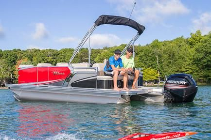 2019 Tahoe Pontoon LT Cruise Rear Bench - 22'