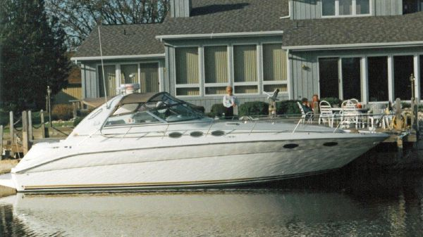 Sea Ray 370 Sundancer Profile