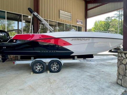 Starcraft SVX 231 OB Deck Boat - main image