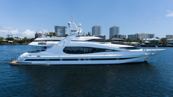 Millennium Super Yachts Raised Pilothouse