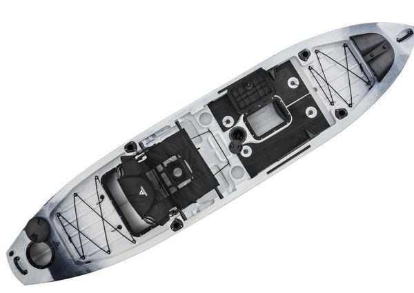 Ascend 128T Yak-Power Sit-On (White/Black) image