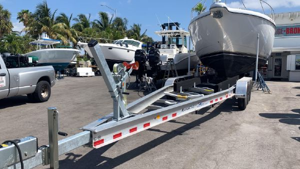 Trailer 28-30 triple axle