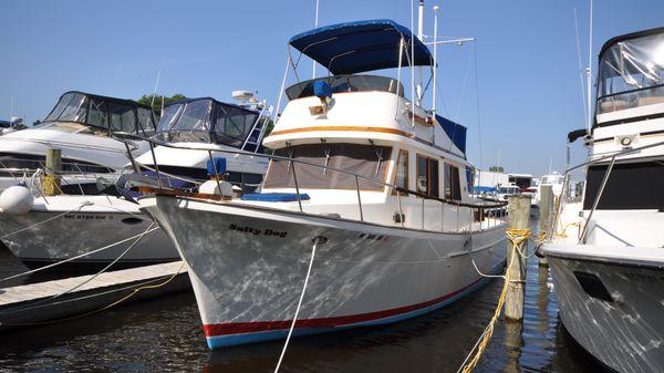 Marine Trader 34 Aft Cabin