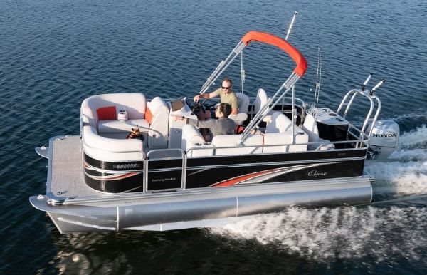 2020 Qwest LS 822 XRE Cruise