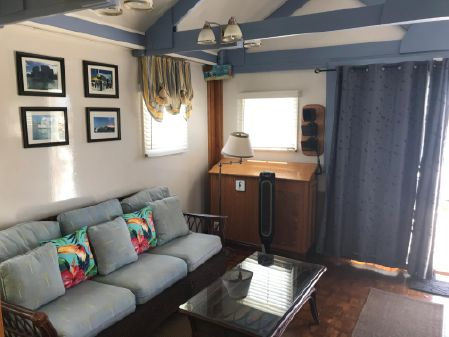 Custom 42' Cottage image