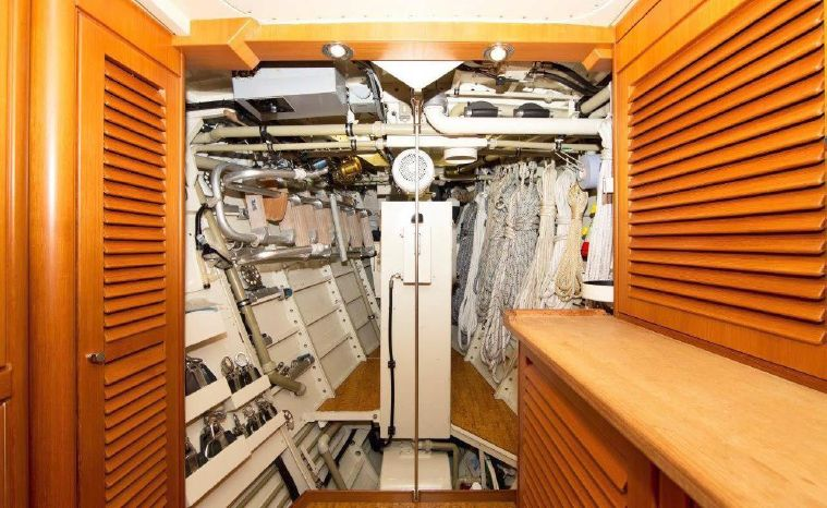 1992 Royal Huisman BoatsalesListing Brokerage