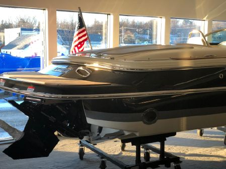 Chris-Craft Launch 23 image
