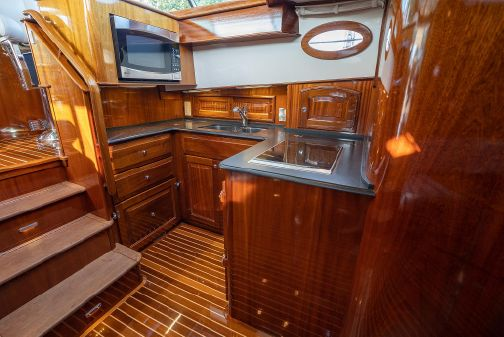 Hinckley Talaria 48 Flybridge image