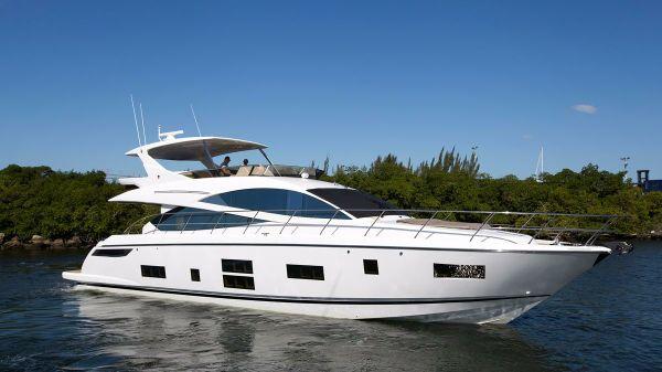 Pearl 65 Motor Yacht