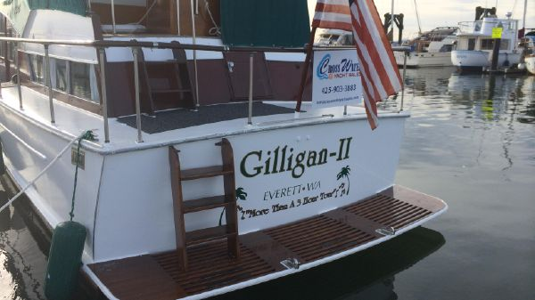Tollycraft Cabin Cruiser