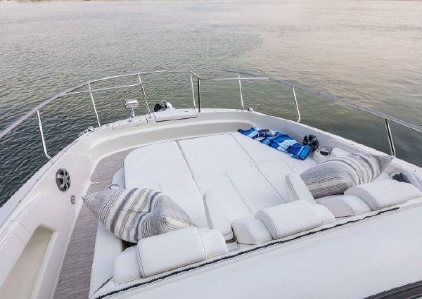 Sea Ray Sundancer 320 Coupe image