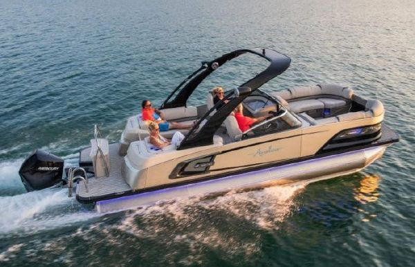 2021 Avalon Excalibur Quad Lounge Windshield - 27'