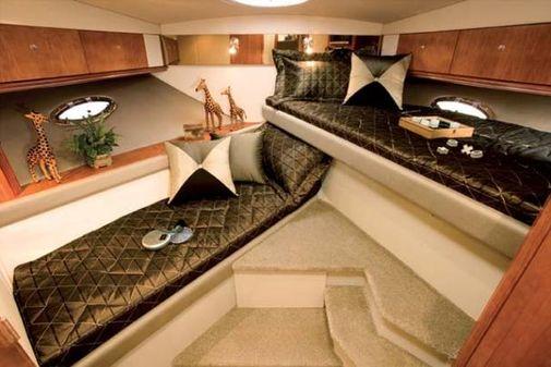 Cruisers Yachts 460 Express image