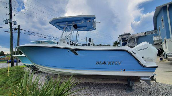Blackfin 222 CC