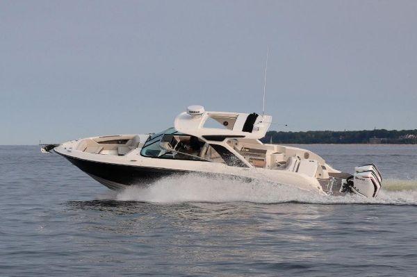 Sea Ray SLX 350 OB - main image
