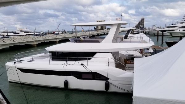 Leopard 53 Solar Powered Catamaran