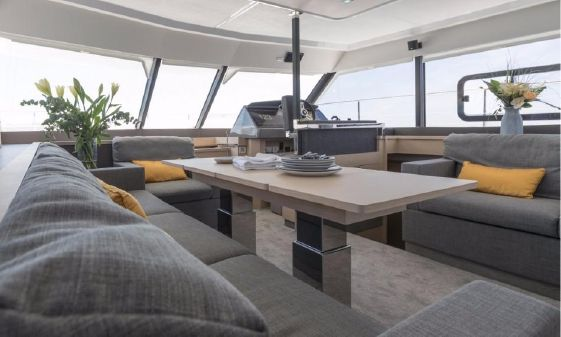 Fountaine Pajot Motor Yacht 44 image
