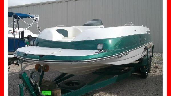 Seaswirl 237 Deck Boat I/O