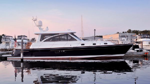 Hunt Yachts Hunt 52 Motoryacht