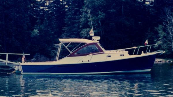 Mast & Mallet Thomas Point 34 Express Softtop Cruiser