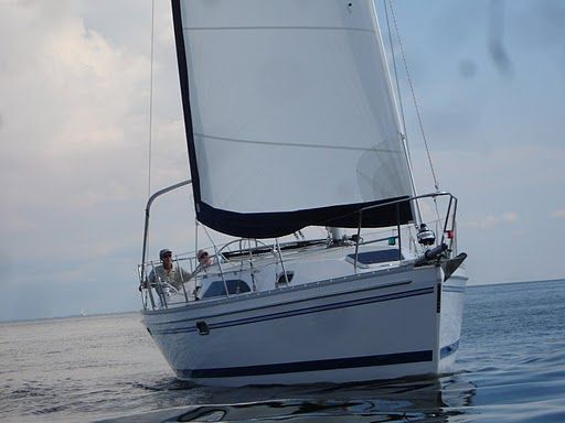 Catalina 355 - main image