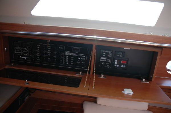 Catalina 355 image