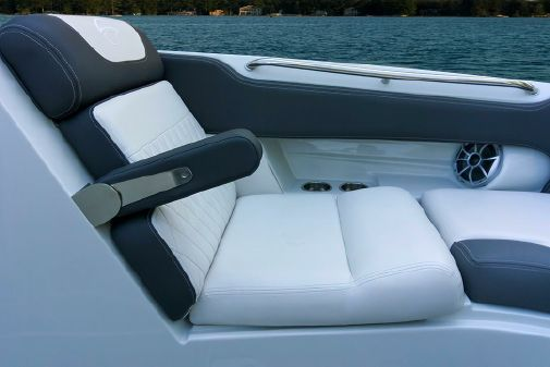 Crownline Eclipse E255 Surf image