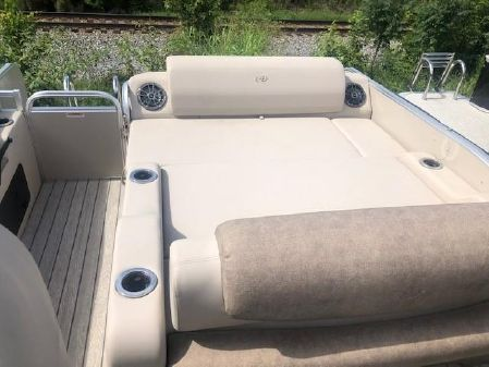 Avalon CAT 23-VERSATILE REAR LOUNGER image