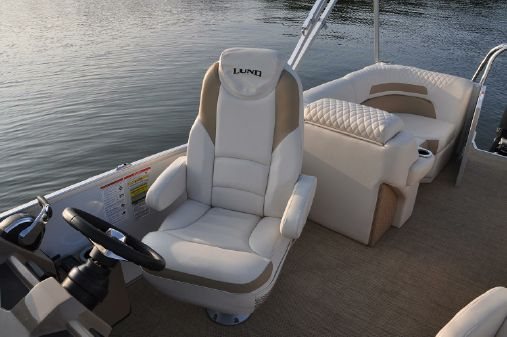 Lund ZX250 Pontoon WT DS image