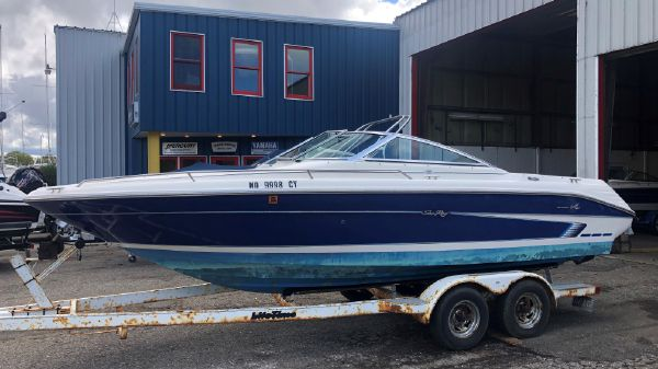Sea Ray 220 Bow Rider Select