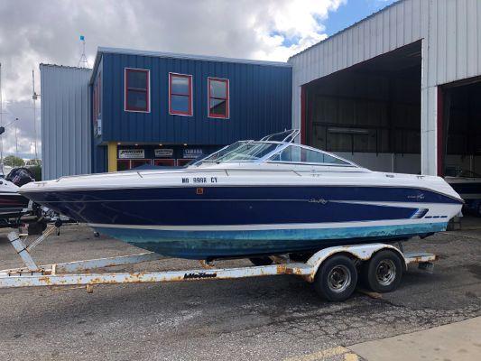 Sea Ray 220 Bow Rider Select - main image
