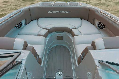 Crownline E275 Surf image