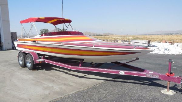 Eliminator 20 Closed Bow Jet