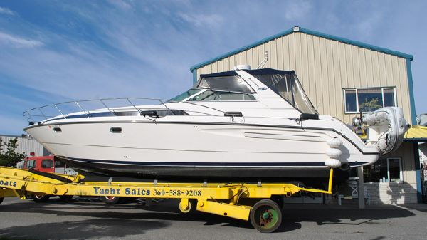 Bayliner 4085 Avanti Sunbridge