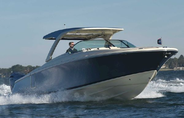 2019 Chris-Craft Launch 35 GT I/O