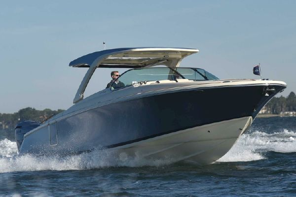 Chris-Craft Launch 35 GT - main image